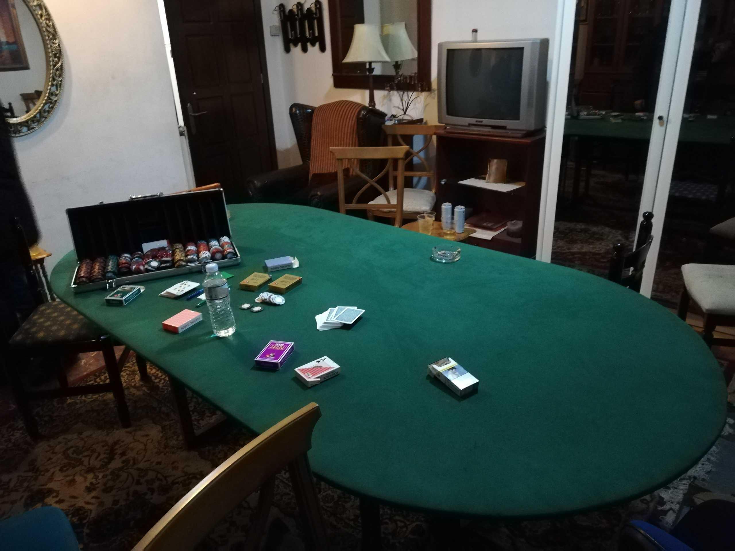 Γιαννιτσά: Κακός χαμός σε αυτό το διαμέρισμα – Δείτε την εικόνα που άφησαν πίσω τους 11 άτομα (pic)