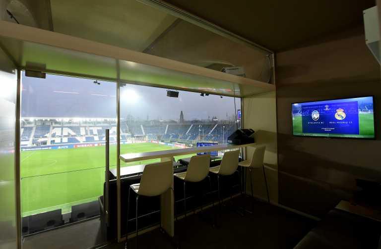Κορονοϊός: Να ανοίξουμε τα γήπεδα με τους μισούς φιλάθλους να δούμε αν «κολλάει»