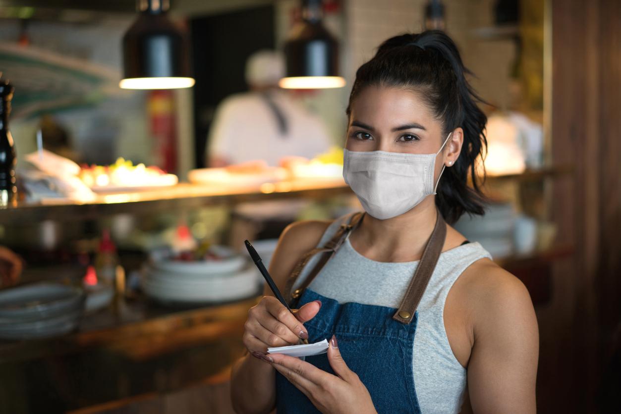 Κορονοϊός: Έτσι θα ανοίξει η εστίαση – Ο μόνος τρόπος να είμαστε ασφαλείς σε ταβέρνες και καφέ