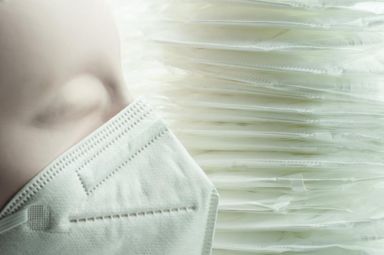 """Κορονοϊός: Η κλασική υφασμάτινη μάσκα γίνεται """"επιπέδου Ν95"""" με αυτό το απλό πρόσθετο"""