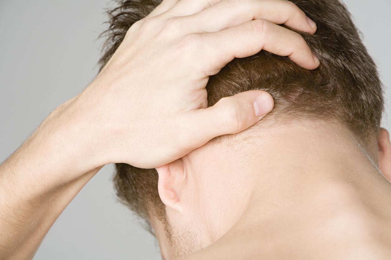 Ο συχνός πόνος στο πίσω μέρος του κεφαλιού συνδέεται με σημαντικό θέμα υγείας: Τι πρέπει να ξέρετε