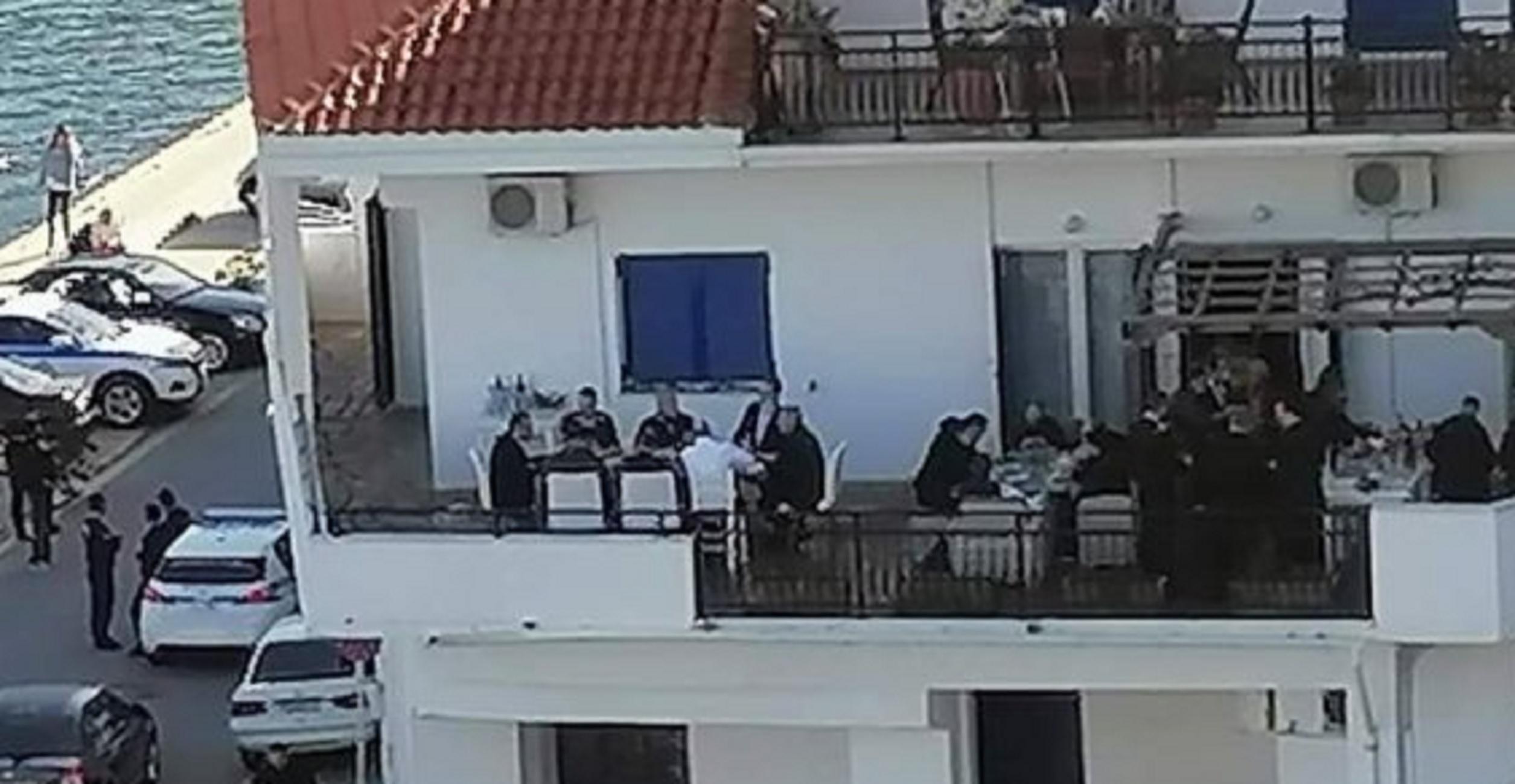 Ικαρία: Μηνύσεις για το γεύμα στον Κυριάκο Μητσοτάκη και τις εικόνες που εκτυλίχθηκαν στο σπίτι βουλευτή (pic)