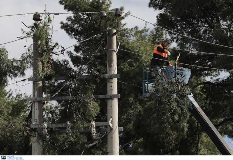ΔΕΔΔΗΕ: Λιγότερα από 1.000 είναι τα νοικοκυριά που παραμένουν χωρίς ρεύμα στην Αττική