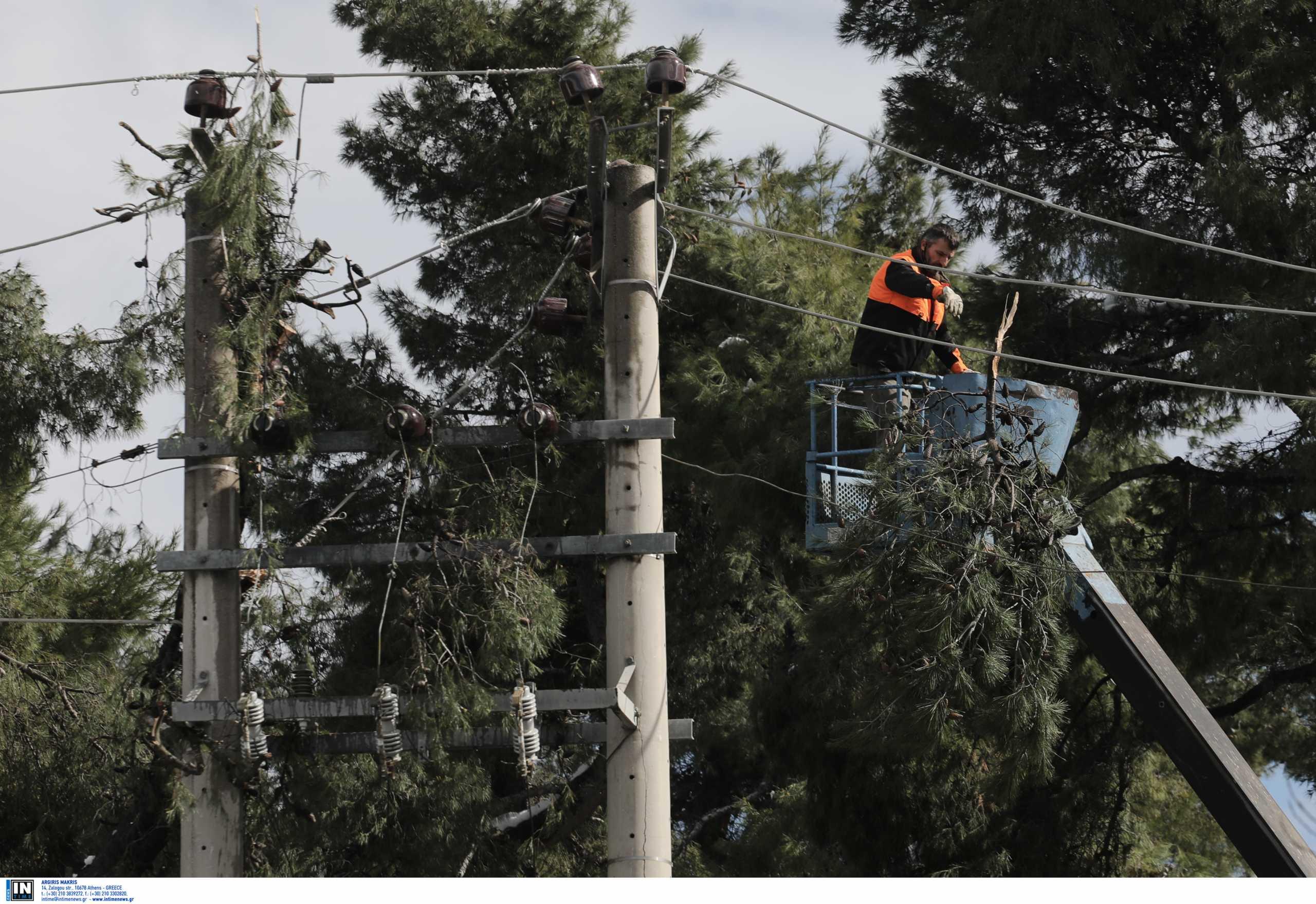 ΔΕΗ: Προσανατολίζεται σε δωρεά των τελών δικτύου διανομής στα νοικοκυριά χωρίς ρεύμα