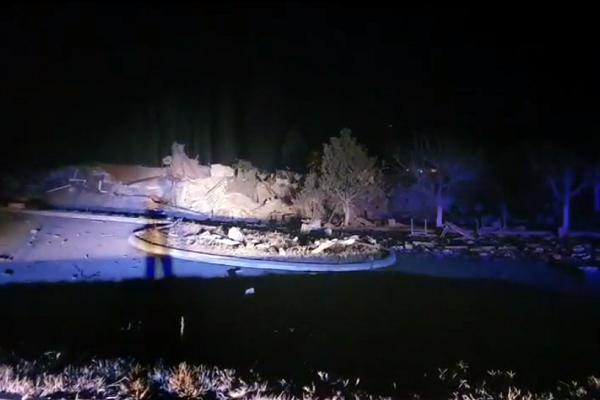 Καστοριά: Ισχυρή έκρηξη τα ξημερώματα ισοπέδωσε ξενοδοχείο (pics, video)