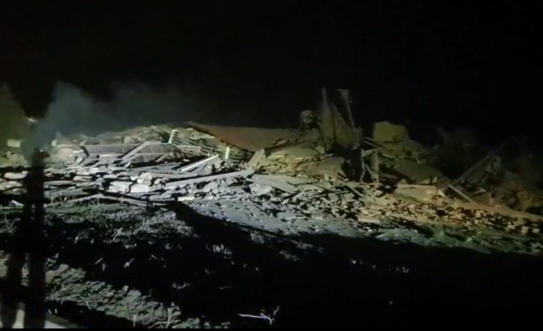 Καστοριά: Πανίσχυρη έκρηξη ισοπέδωσε ιστορικό ξενοδοχείο (video)