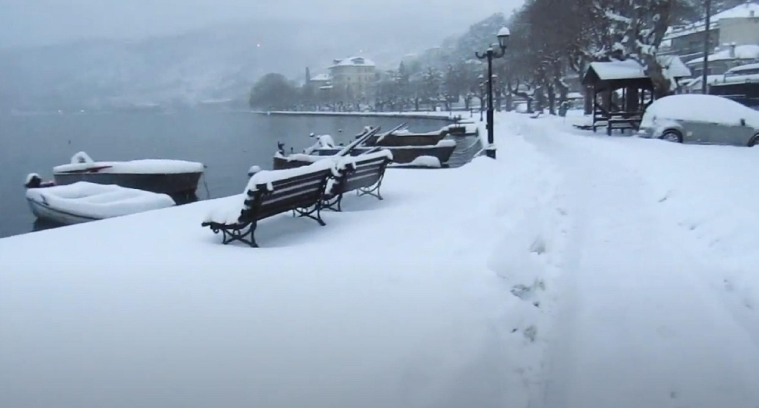 Καιρός – Καστοριά: Εκεί που καταγράφηκε η χαμηλότερη θερμοκρασία της ημέρας – Παγώνει η πανέμορφη λίμνη (video)