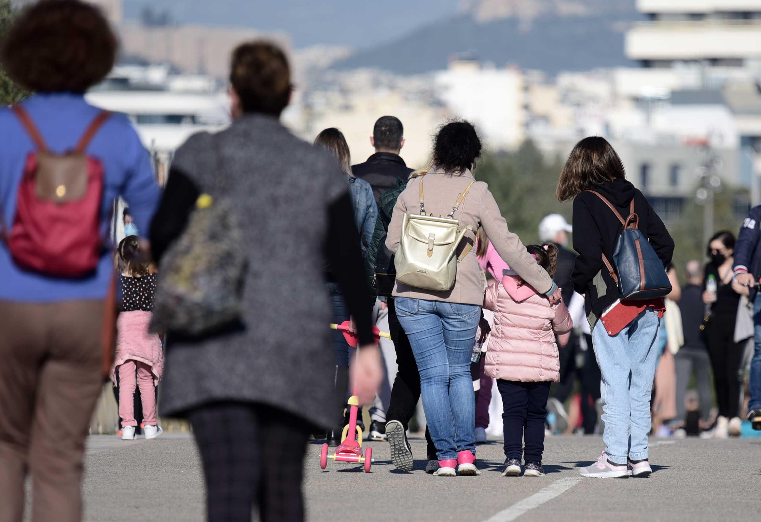 Κορονοϊός: 733 νέα κρούσματα και 21 θάνατοι – Η ανακοίνωση του ΕΟΔΥ