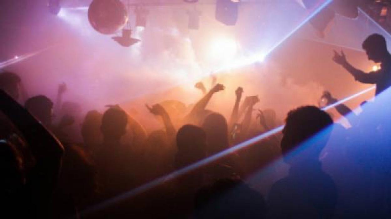Κρήτη: Βοά ο τόπος για κορονοπάρτι στο Ρέθυμνο με πάνω από 200 άτομα!