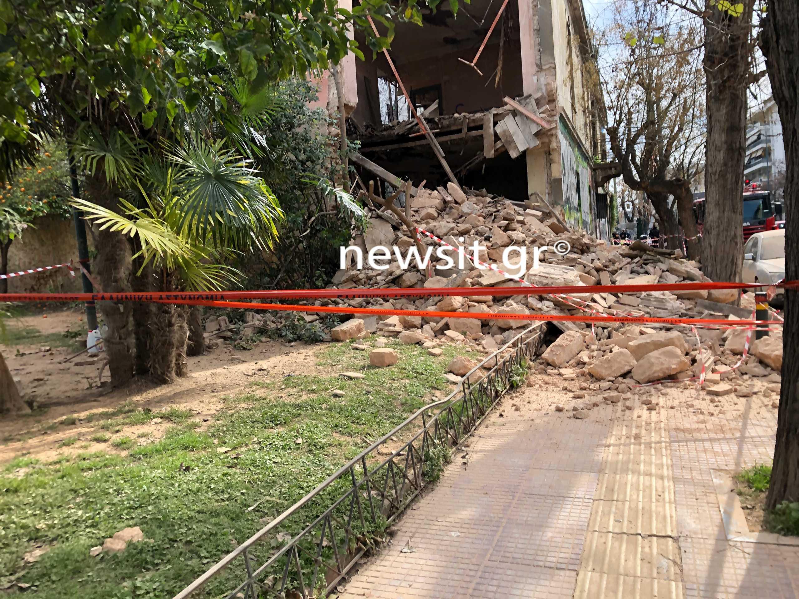 Κατέρρευσε κτίριο στο κέντρο της Αθήνας – Βρέθηκε σώος ένας άνδρας (pics)