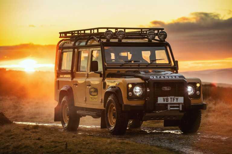 Συλλεκτικό Land Rover Defender με άρωμα… Camel Trophy! [vid]