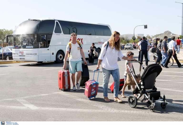 Mειώνονται τα τέλη κυκλοφορίας για τα τουριστικά λεωφορεία