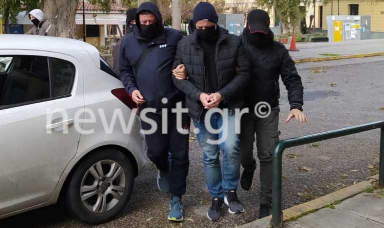 Δημήτρης Λιγνάδης: Προθεσμία να απολογηθεί την Τετάρτη – Παραμένει κρατούμενος