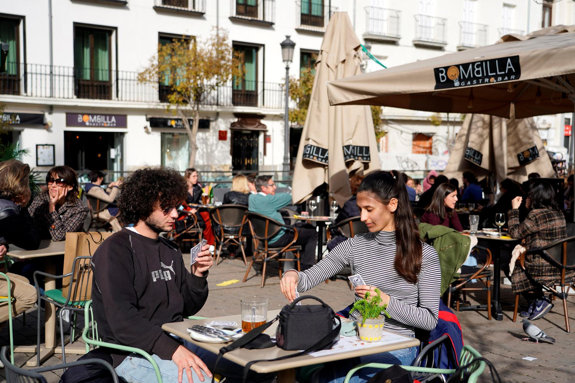 Φεύγουν από τη Γαλλία και πάνε στη Μαδρίτη για ποτό και φαγητό