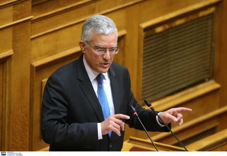 Χανιά: «Δεν μας φοβίζετε» – Τι λέει ο Μανούσος Βολουδάκης για την επίθεση στο πολιτικό του γραφείο