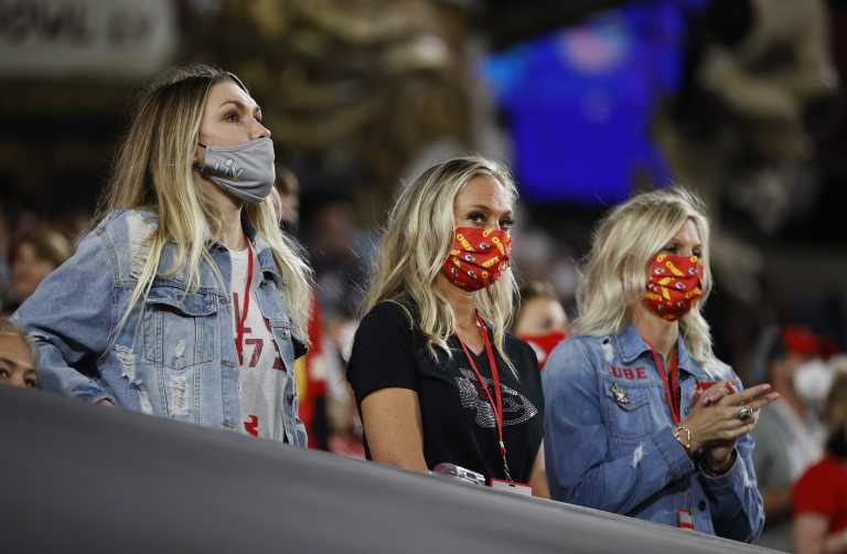 Βέλγιο – Κορονοϊός: Τοξικές ουσίες εντοπίστηκαν σε υφασμάτινες μάσκες που μοιράστηκαν δωρεάν