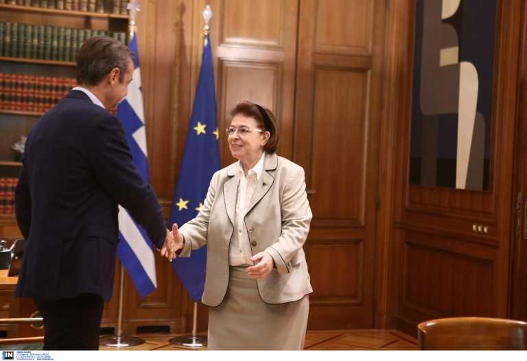 Βαρύ το κλίμα για τη Λίνα Μενδώνη - «Βούτυρο στο ψωμί του ΣΥΡΙΖΑ η παραίτησή της»