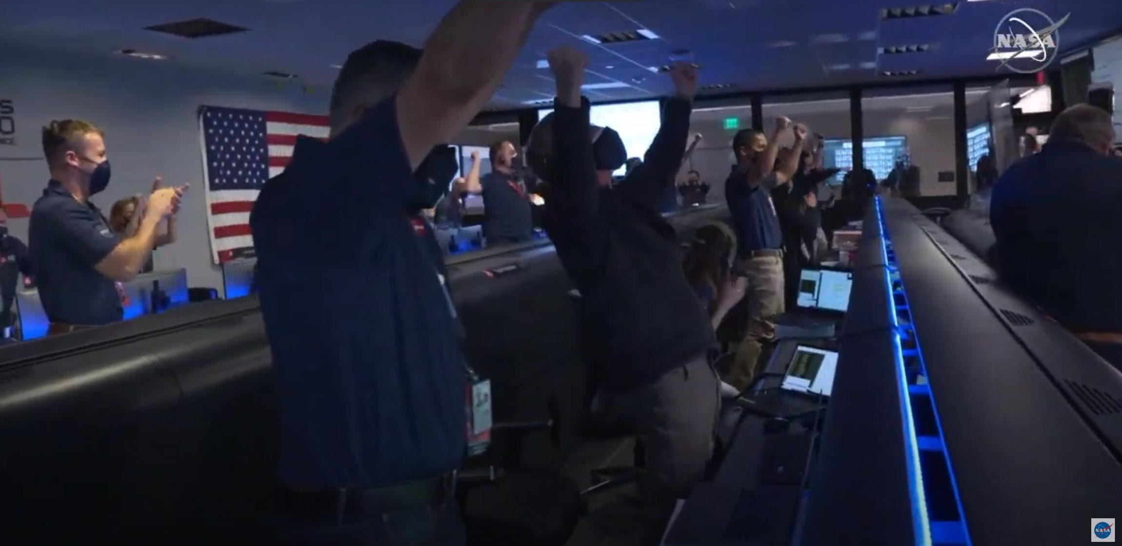 Perseverance: «Πάτησε» στον Άρη κι έγραψε ιστορία – Οι πρώτες φωτογραφίες (video)