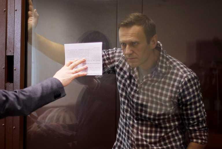 Ναβάλνι: Τον μετέφεραν από τις φυλακές προς άγνωστη κατεύθυνση