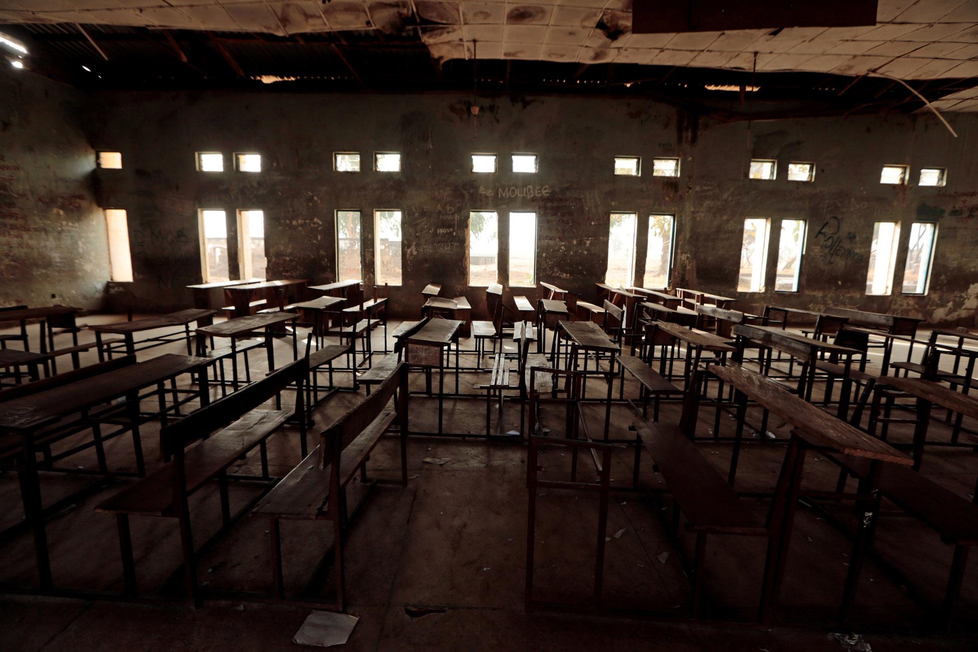Φρίκη στη Νιγηρία: Ένοπλοι απήγαγαν 317 μαθήτριες από το σχολείο τους