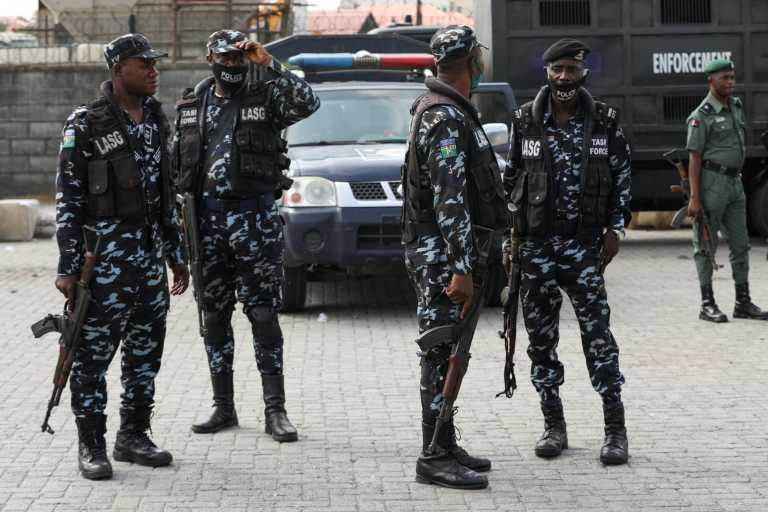 Νιγηρία: Ένοπλοι απήγαγαν εκατοντάδες μαθητές – Ένας νεκρός