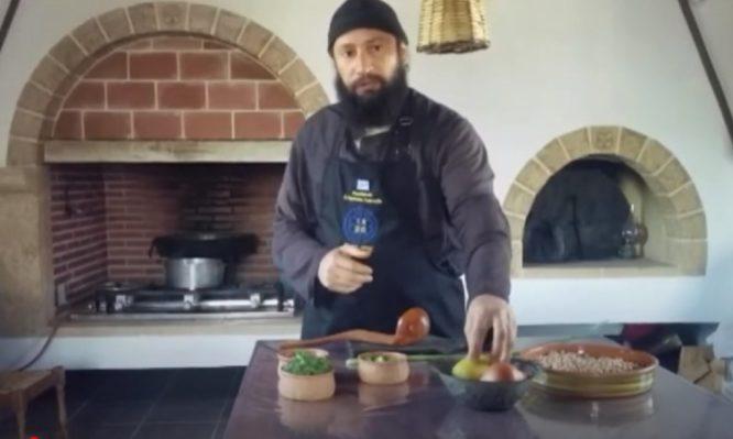 Οι αγιορείτικες σούπες του μοναχού Νικήτα δεν είναι καθόλου… βαρετές