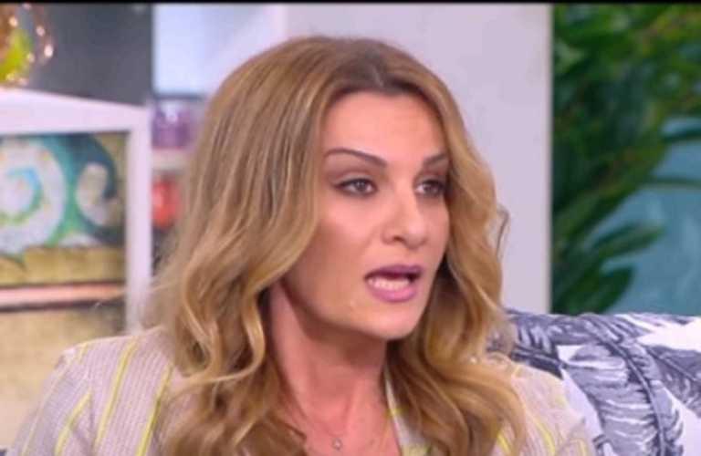 """Δέσποινα Ολυμπίου: """"Δέχτηκα κι ανήλικη σεξουαλική παρενόχληση αλλά έλεγα κανείς δεν θα με πιστέψει"""""""