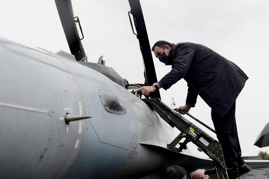 ΥΕΘΑ: «Αυτοψία» Παναγιωτόπουλου στην ΕΑΒ και στο πρότυπο ελληνικό μαχητικό F-16 Viper [pics]