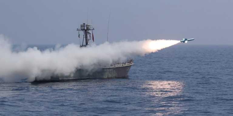 """Ιράν και Ρωσία πραγματοποιούν ναυτικές ασκήσεις στον Ινδικό Ωκεανό με το """"βλέμμα"""" στις ΗΠΑ"""