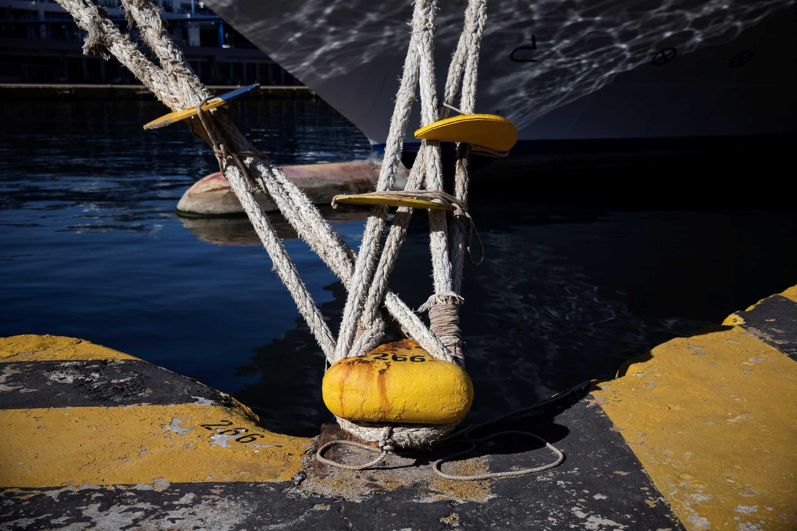 Ελευσίνα: Από μετατόπιση έρματος πήρε κλίση το πλοίο «Μυτιλήνη»