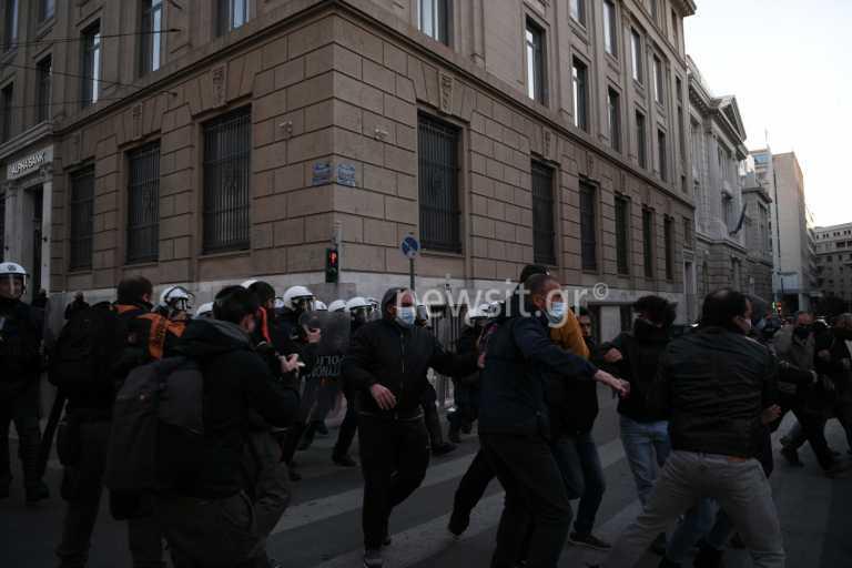 7 προσαγωγές στην πορεία για τον Δημήτρη Κουφοντίνα στην Αθήνα