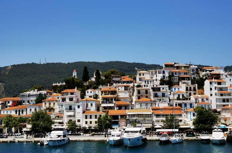 Σκιάθος: Σκοτώθηκε σε τροχαίο στην Αθήνα γνωστός κομμωτής – Θλίψη στο νησί του Παπαδιαμάντη