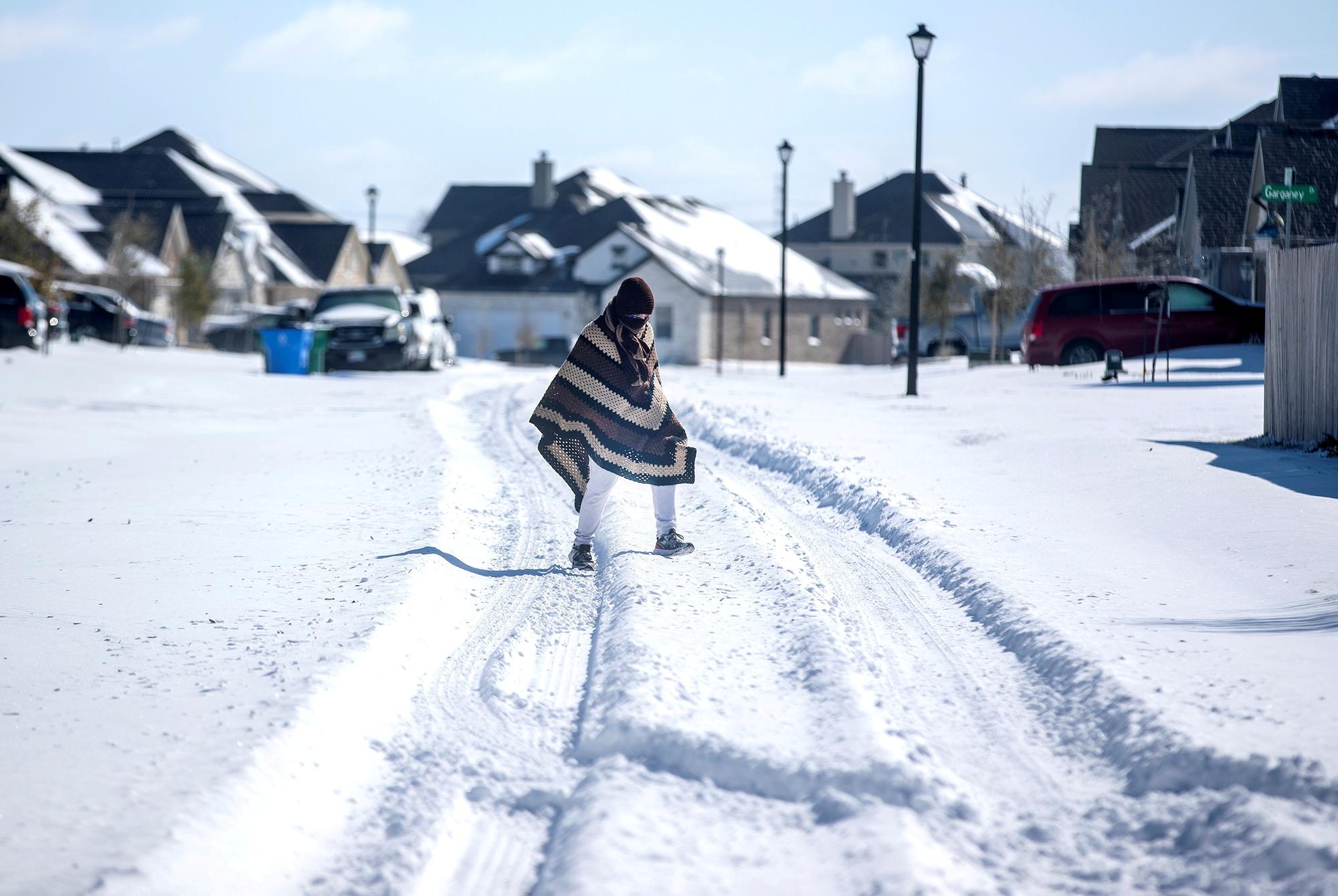 Κακοκαιρία στις ΗΠΑ: Σε απελπισία το Τέξας – Χωρίς νερό 7,9 εκατ. κάτοικοι