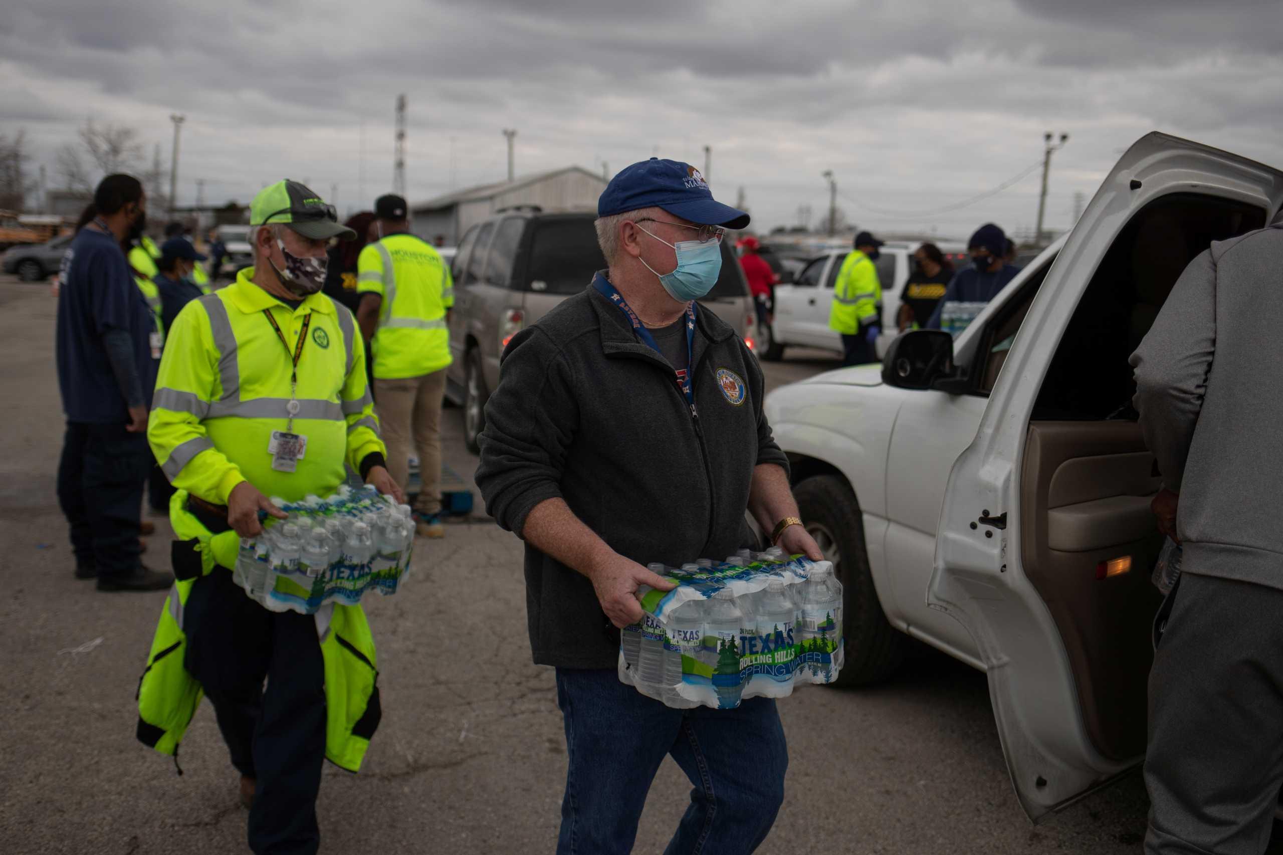 Τέξας: Χωρίς νερό και με αστρονομικά ποσά στους λογαριασμούς ρεύματος μετά το κύμα ψύχους