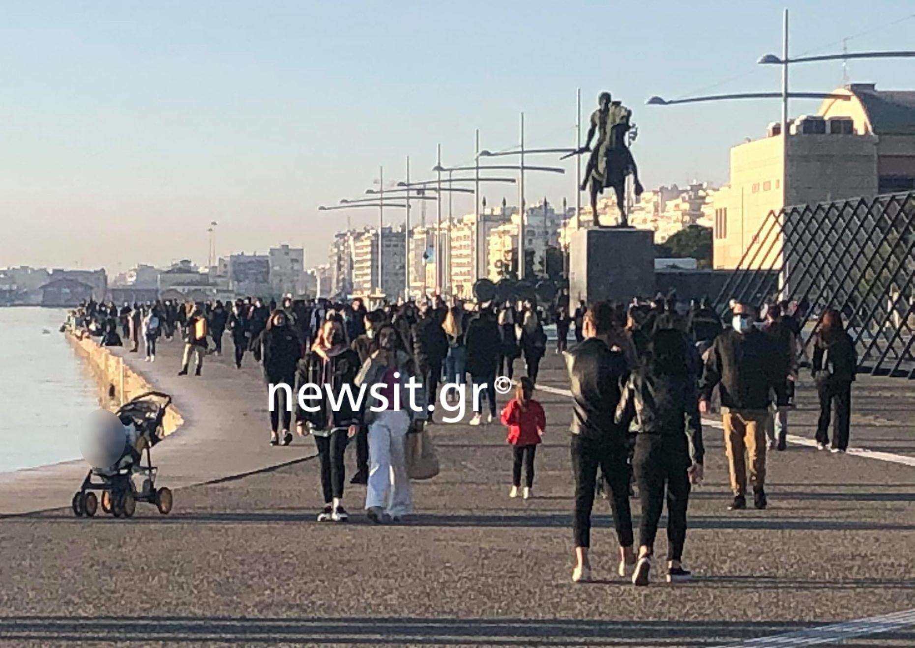 Θεσσαλονίκη: «Βούλιαξε» η παραλία παρά τις συστάσεις των ειδικών (pics)