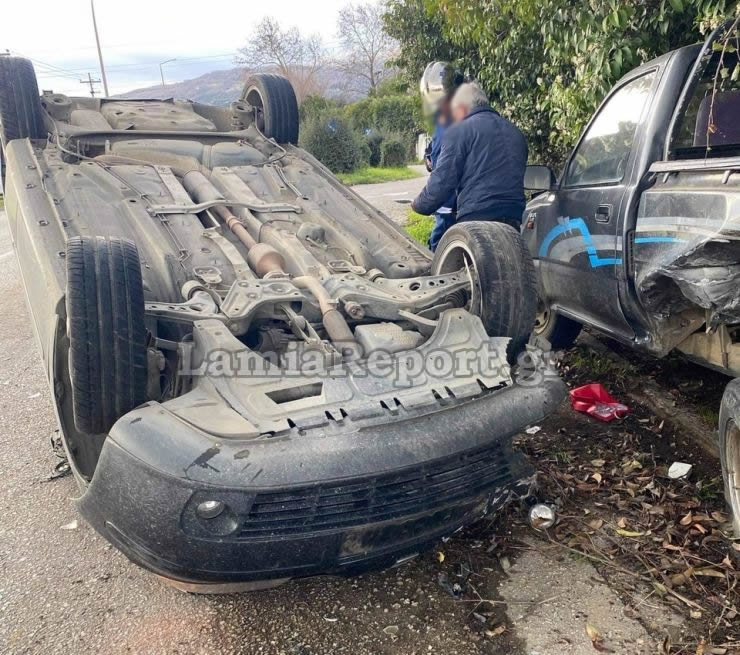 Φθιώτιδα: Σοβαρό τροχαίο με εγκλωβισμό οδηγού – Αυτοψία στο σημείο της σύγκρουσης (pics)