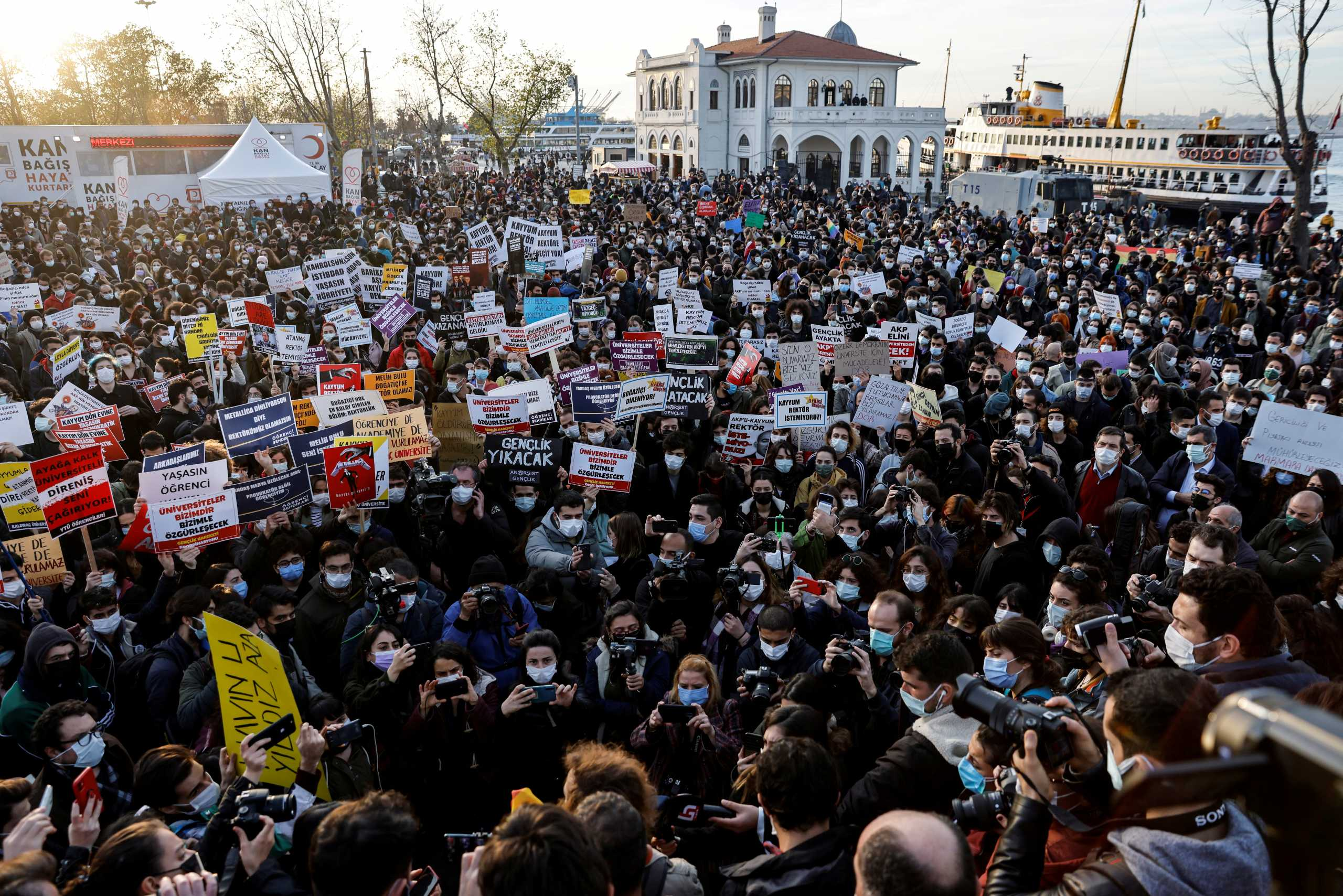 «Στριμωγμένος» για τα καλά ο Ερντογάν με τις διαδηλώσεις φοιτητών