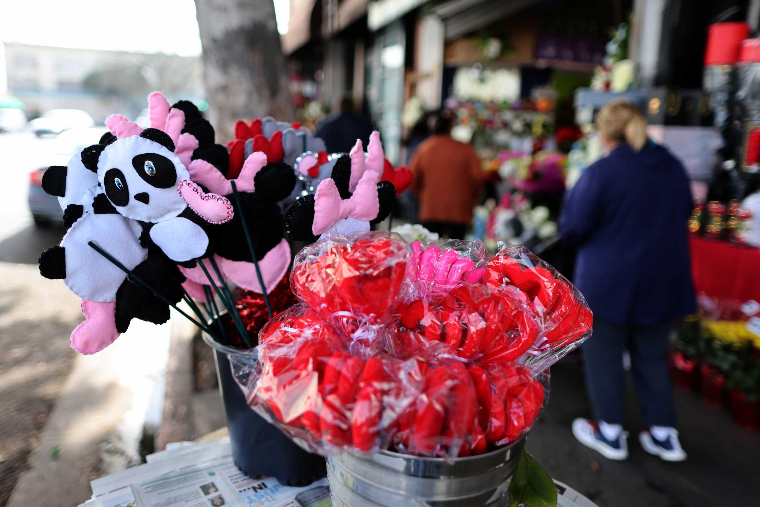 Αγίου Βαλεντίνου: Ο κορονοϊός φέρνει πρωτόγνωρο Φλεβάρη για τους ανθοπώλες