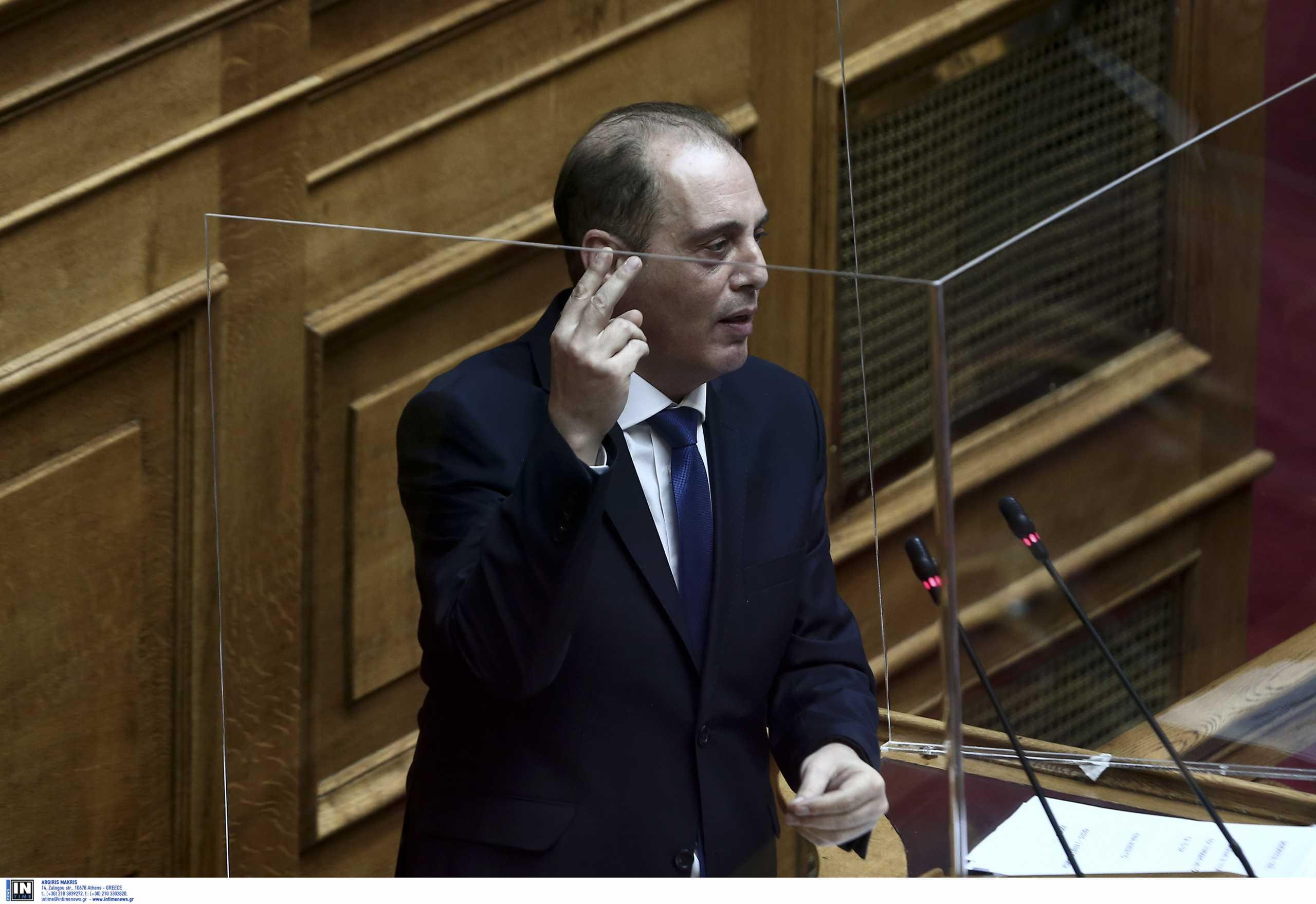 Βελόπουλος: Να παραιτηθεί η Μενδώνη – Κατώτερο των περιστάσεων το πολιτικό σύστημα
