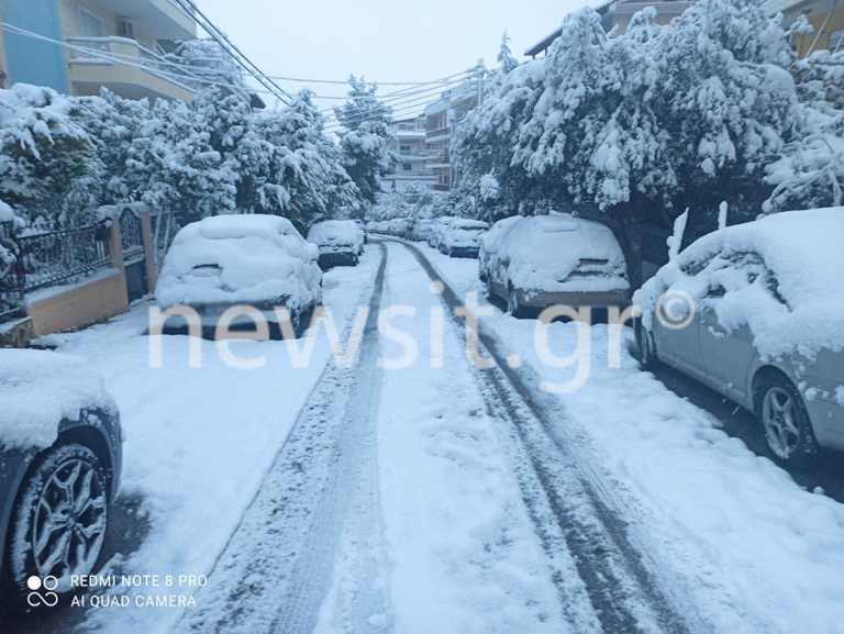 Καιρός – Μήδεια: Κάτασπρη μέρα! Σκεπασμένη από χιόνι όλη η Αθήνα – Νέα έντονη χιονόπτωση (pics)