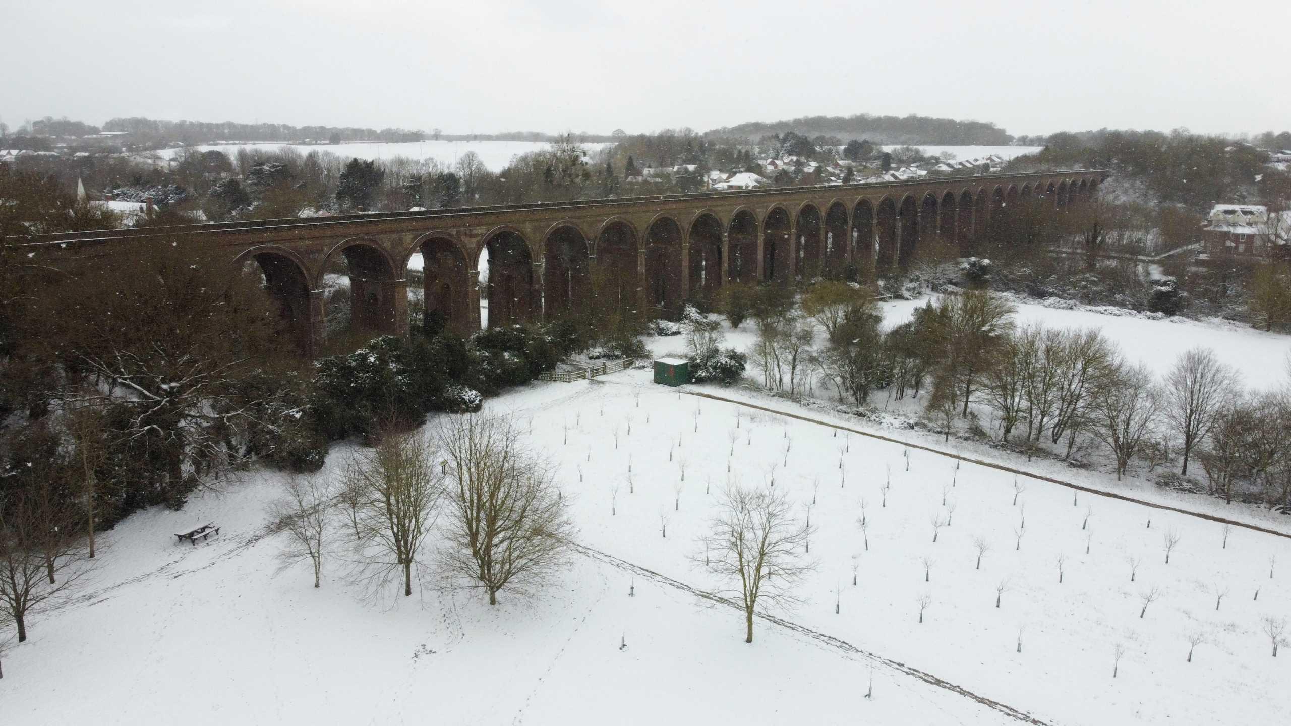 Εφιαλτικό 48ωρο για τη Γερμανία λόγω σφοδρής χιονόπτωσης – Προβλήματα στην κεντρική Ευρώπη (video)