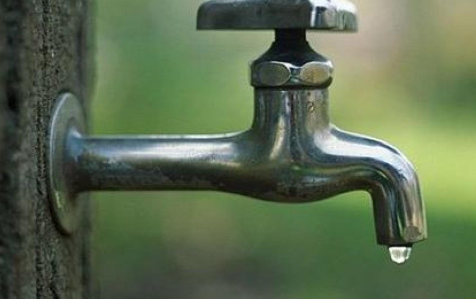 Χωρίς νερό Άγιος Στέφανος και Διόνυσος