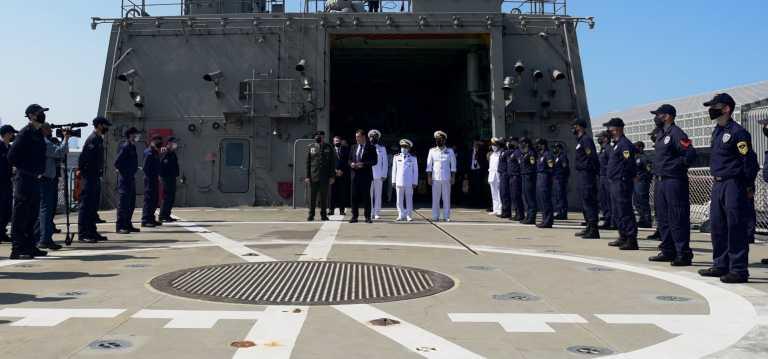 Ο Υπουργός Εθνικής Άμυνας επισκέφθηκε τη φρεγάτα «ΥΔΡΑ» στο Άμπου Ντάμπι (pics)