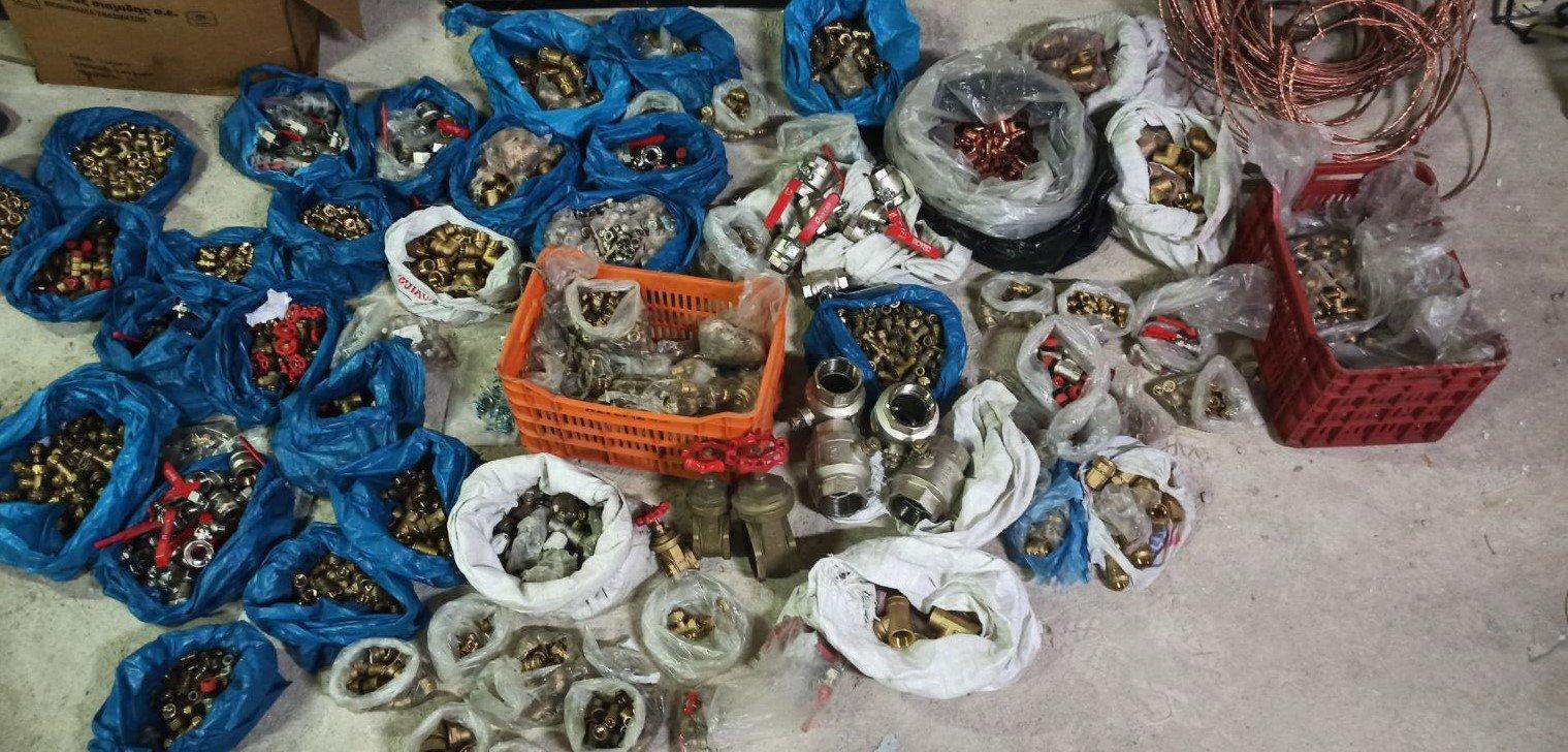 Αιτωλοακαρνανία: Φύλλο και φτερό οι τρεις συμμορίες που έβγαλαν 110.000 ευρώ – Ληστείες, κλοπές και στοιχεία φωτιά (pics)