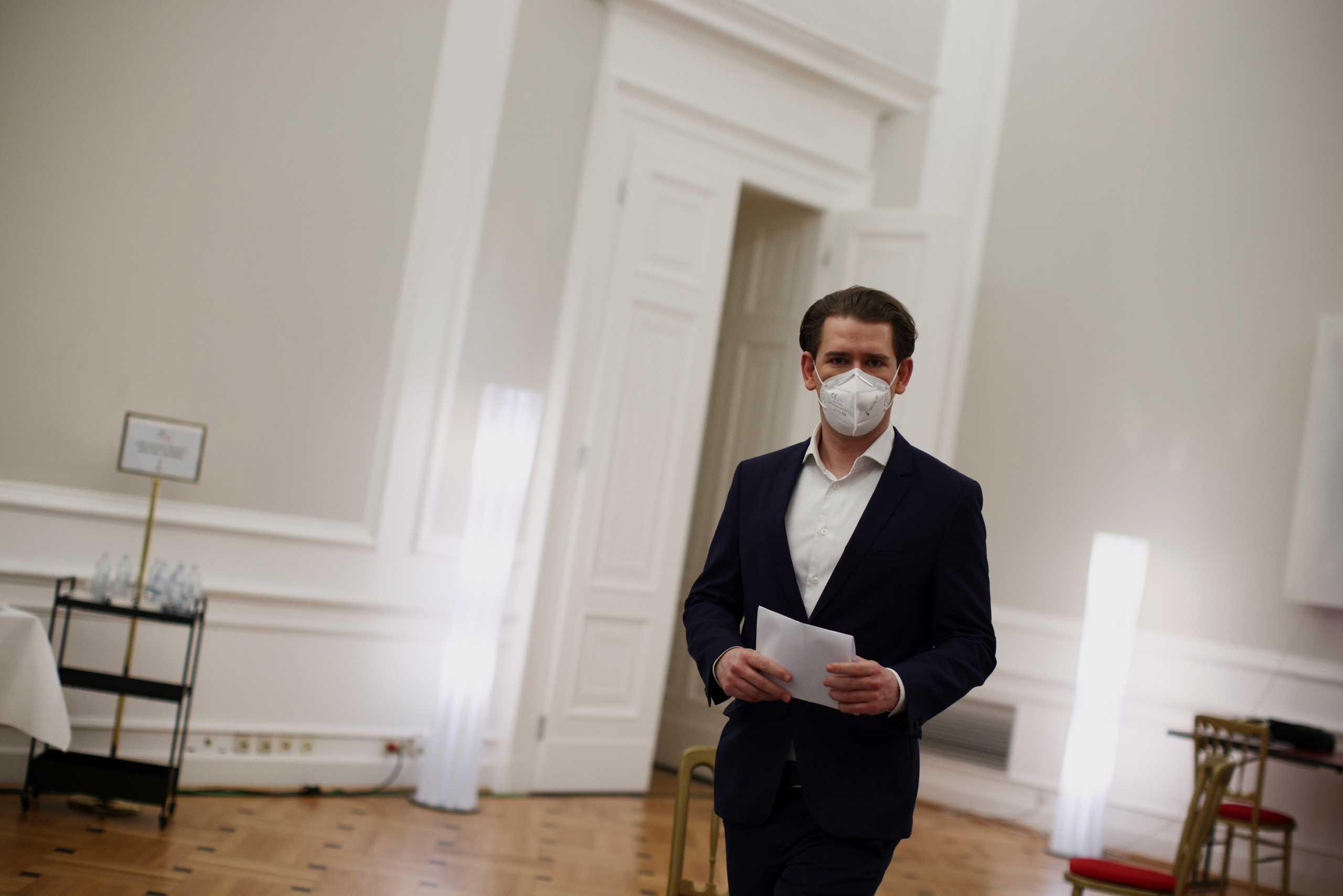 """Η αυστριακή βουλή άνοιξε τον δρόμο για το """"πράσινο διαβατήριο Covid-19"""""""