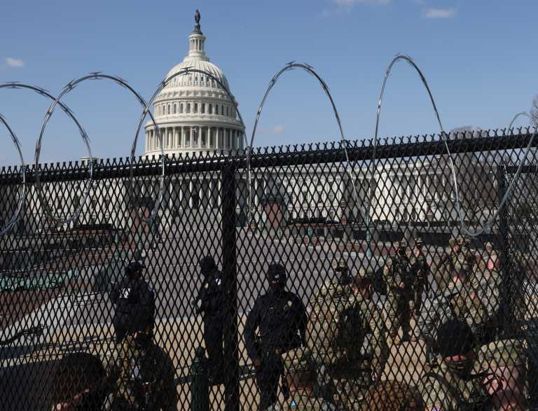 ΗΠΑ: Φρούριο το Καπιτώλιο – Αίτημα να μείνει για άλλους δύο μήνες η Εθνοφρουρά στην Ουάσινγκτον