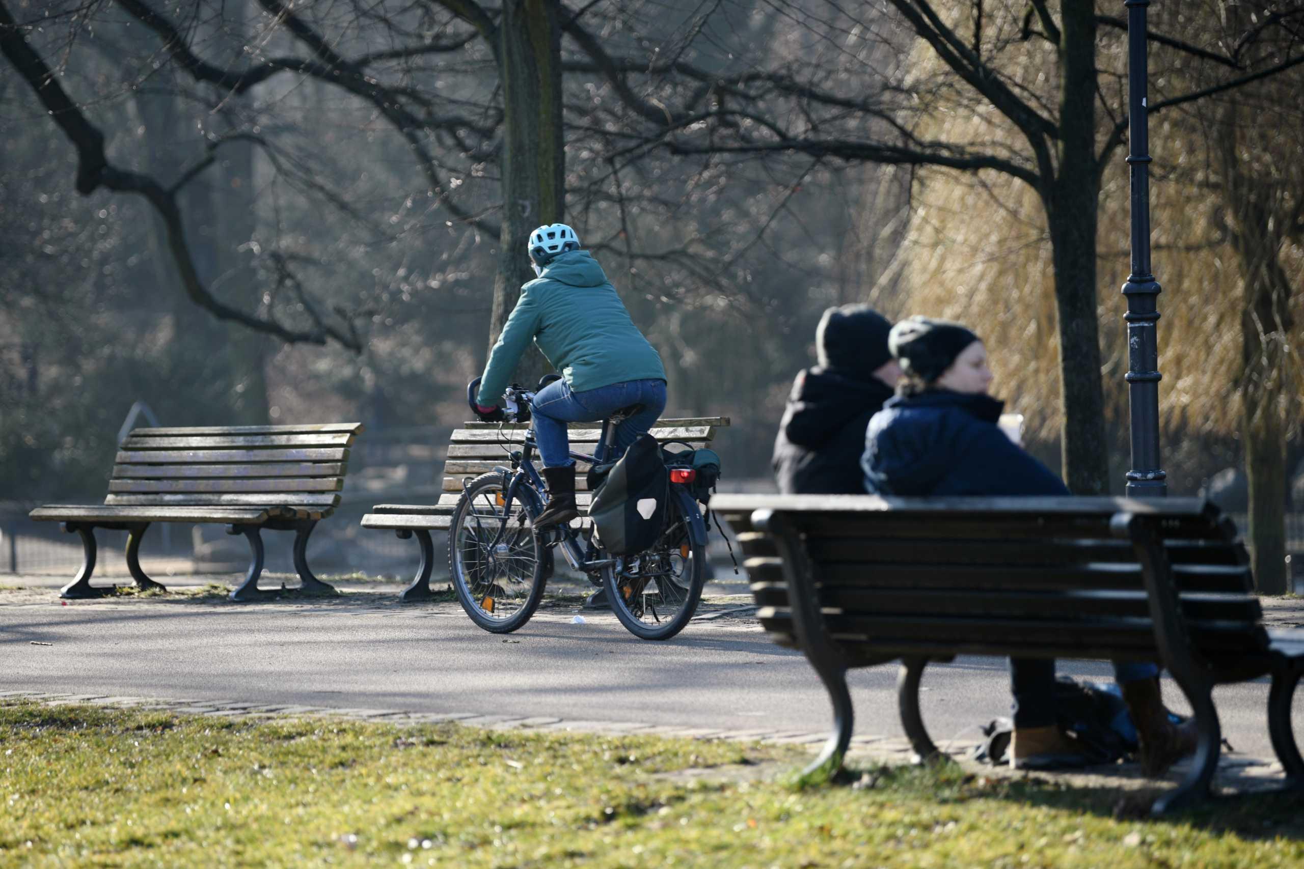 Κορονοϊός: Σε δίλημμα οι Γερμανοί για το σχέδιο χαλάρωσης