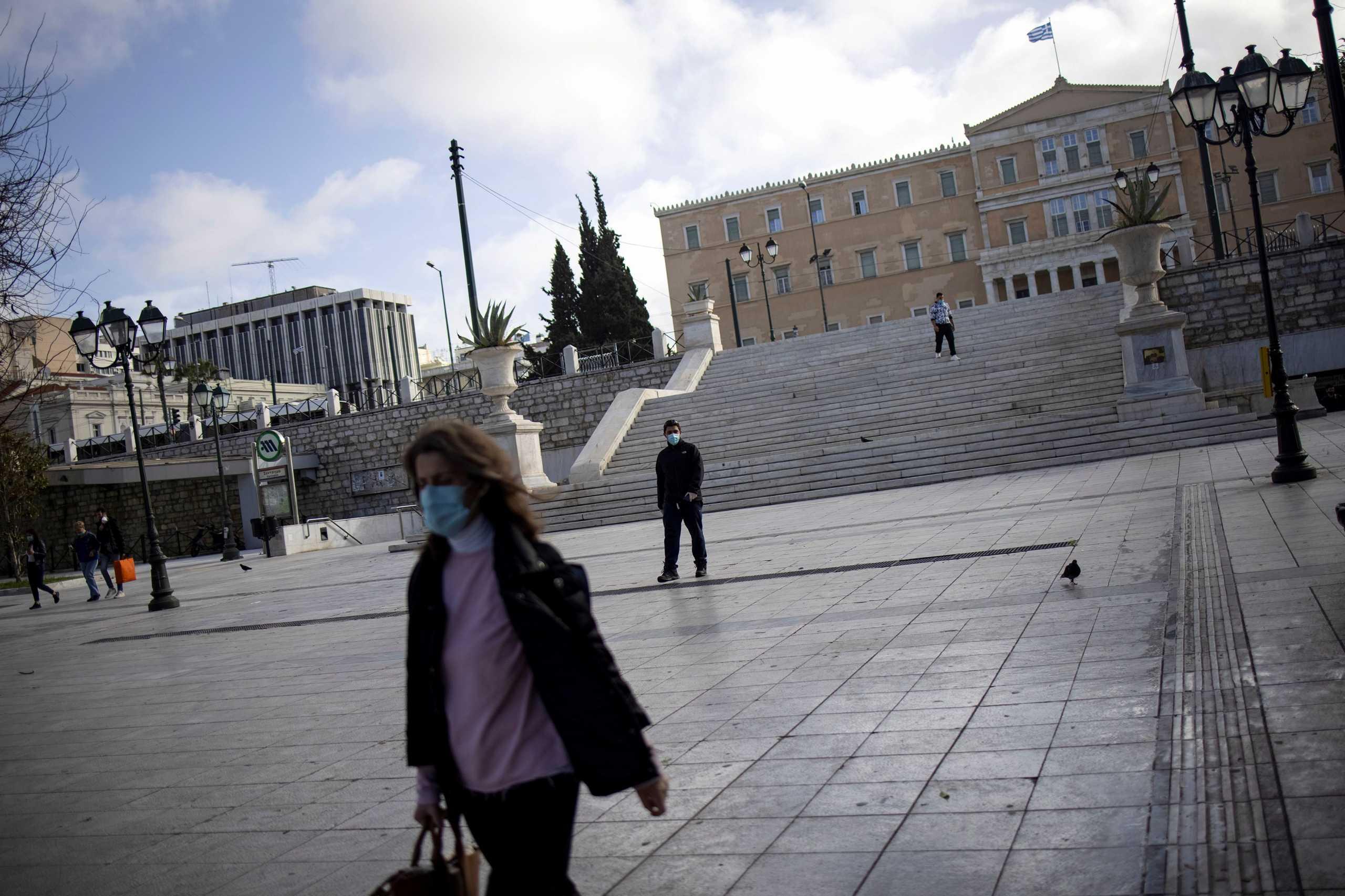 Θωμαΐδης: Σταθερά υψηλό το ιικό φορτίο στην Αθήνα εδώ και 40 μέρες