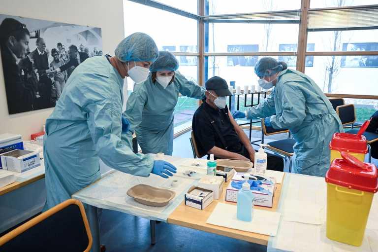 Κορονοϊός: Τραγική κατάσταση στη Σλοβακία – Άρχισαν να μεταφέρουν ασθενείς σε άλλες χώρες