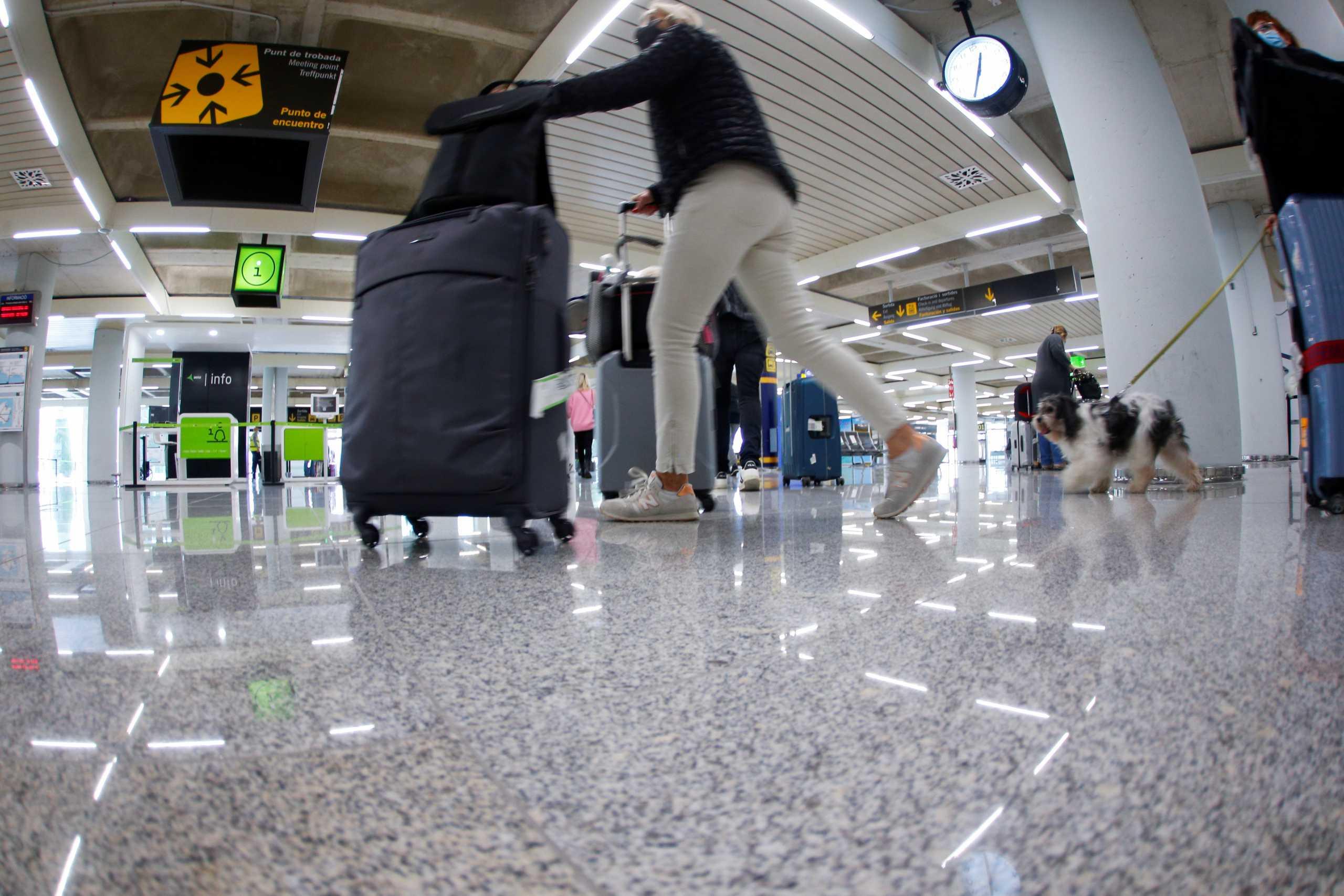 Σύσταση ΗΠΑ για αποφυγή ταξιδιών στην Ελλάδα